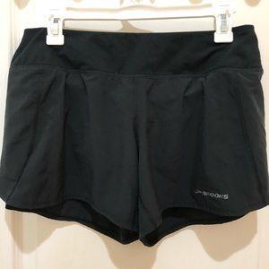 "Brooks Chaser 5"" Shorts Black M"